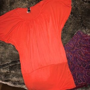 Windsor top in bright orange adorable fit Sz small